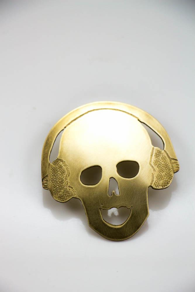 broche headphonik, vue de face, collection les jolly rogers