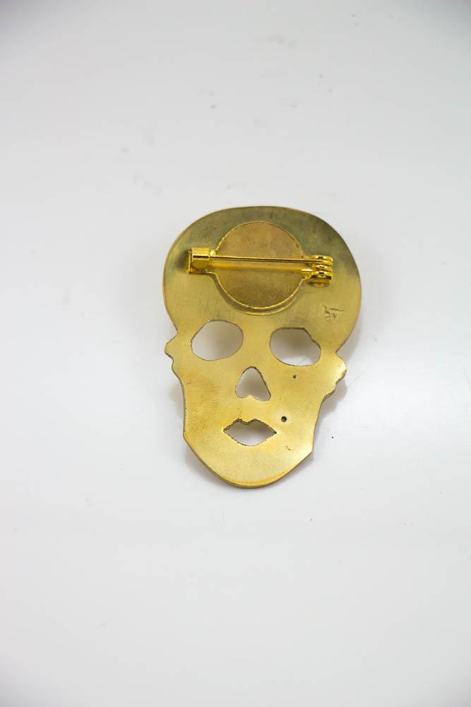 broche skully, vue de dos, collection les jolly rogers